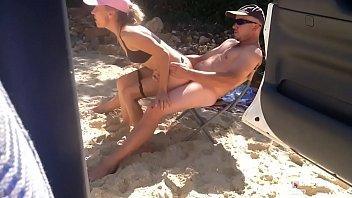 saite porno flagra transa na praia sentando no pau escondido