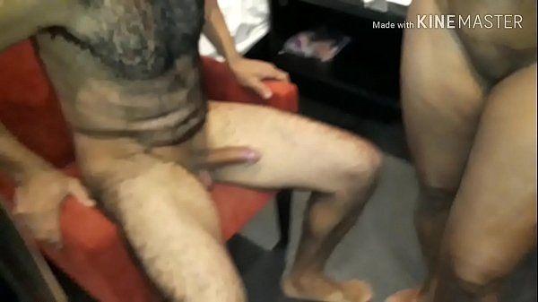 Samba porno esposa fica louca de tesão quando sente a porra na sua perna