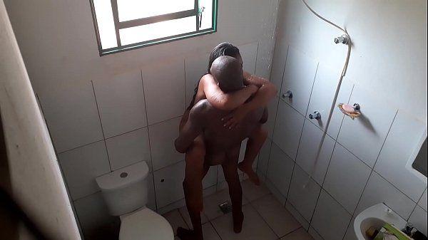 Comendo a prima amadora gostosa na hora de tomar banho