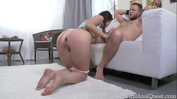 Vídeo de sexo anal com garota virgem